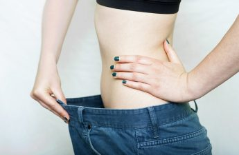 anoreksja-objawy-przyczyny-wychudzone-modelki