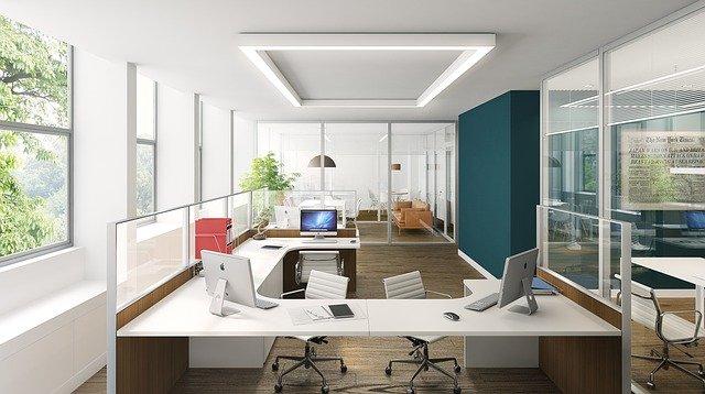 Biurka i krzesła biurowe